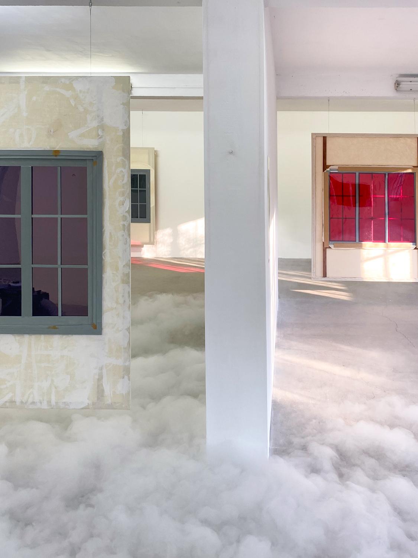 installation view smoke — Charlotte Houette, Artiste